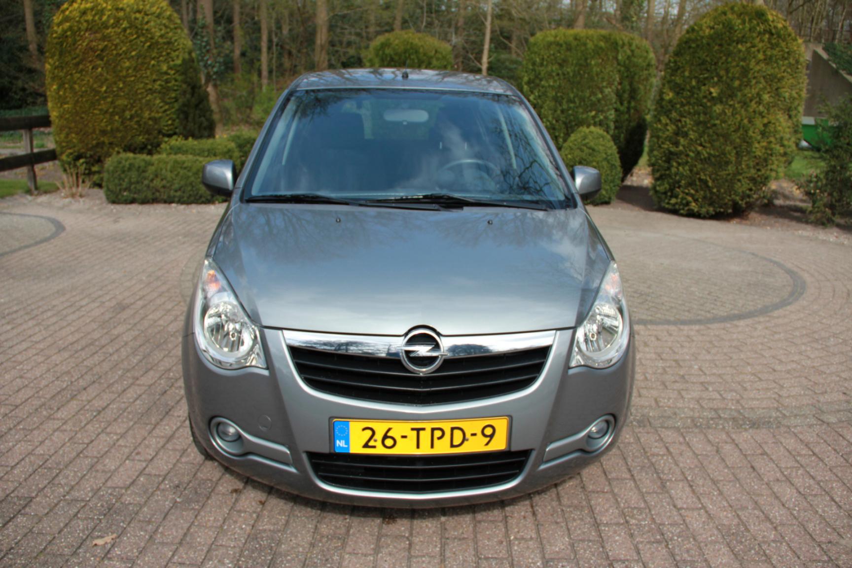 Opel-Agila-7
