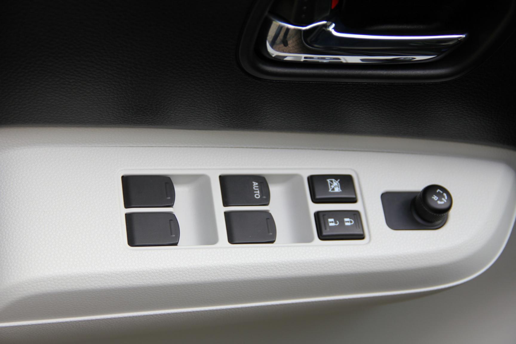 Suzuki-Ignis-18